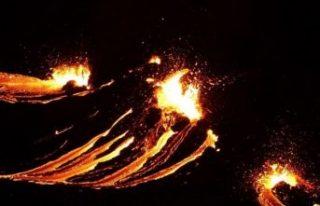 İzlanda'da Fagradals Yanardağı 6 bin yıl...