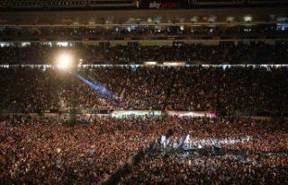 Koronayı ilk yenen ülkede 50 bin kişilik konser