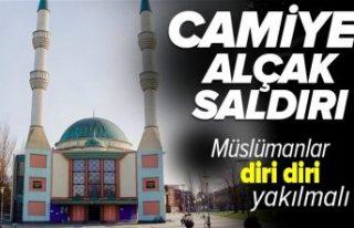 """""""Müslümanlar diri diri yakılmalıdır"""" yazılı..."""