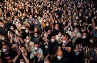 Bilim insanları pandemiye rağmen düzenlenen 'konser...