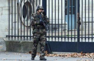 Fransa'da askerler, ikinci bir bildiriyle yine...