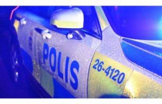 Hässelby'de bir kişi bıçaklandı
