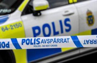 Upplands Väsby'de bir genç kız bıçaklandı,...