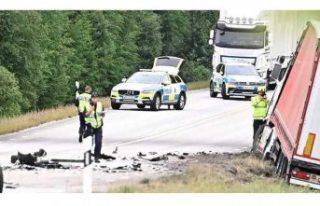Eksjö'deki trafik kazasında bir kişi hayatını...