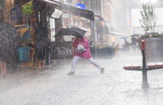 SMHI'den dokuz kent için aşırı yağış uyarısı