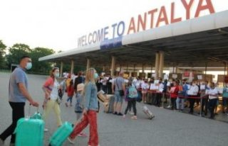Antalya'ya son 26 günde 1 milyon 200 bin yabancı...