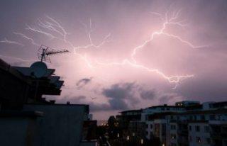 İsveç'te şiddetli yağış hayatı olumsuz...