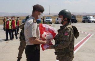 Afganistan'da görev yapan Türk askerlerinin...