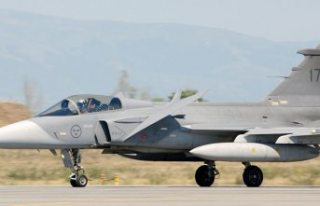 İsveç Afganistan'ı bombalayarak savaş uçaklarının...