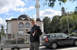 Danimarkalı İslam karşıtı siyasetçi Paludan'dan...