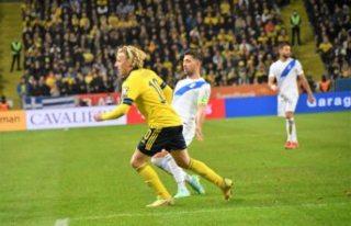 Bakasetas ve Pelkas'lı Yunanistan İsveç'e...
