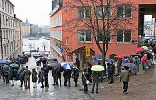 5 Bin İsveçli su altı tünelini görmek için sıraya...