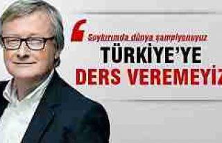 Alman gazeteci: Türklere ders verecek durumda değiliz