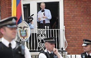 Assange'ın, Tutuklama Kararının Kaldırılması...