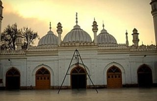 Cami'ye saldırı 19 ölü en az 60 yaralı!