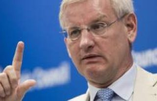 Carl Bildt, Moderat Parti'nin Başına Geçecek...