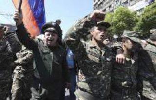 Ermenistan'da sıcak saatler! Hükümet karşıtı...