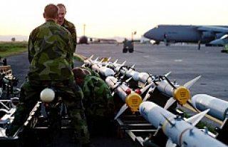 Expressen: İsveç hem silah satıyor, hem de mültecilere...