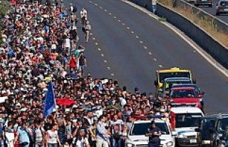 Finlandiya ve İsveç'ten Yüzlerce Sığınmacı...