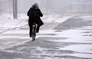 Güney İsveç'e ilk kar yağdı