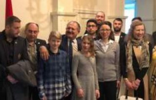 Gurbette yaşayanlara Akdeniz Üniversitesi'nde...