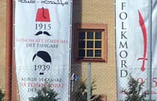 Hallunda Kilise Duvarında Türkiye'ye çirkin...
