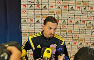 Ibrahimovic'ten transfer açıklaması kafaları...