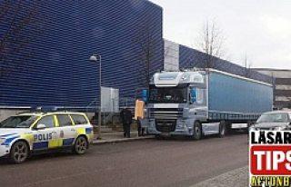 Ikea'nın yanında bir kişi ölü bulundu...