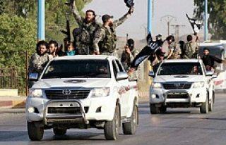 IŞİD Suriye'de İsveç otomobilleri kullanıyor