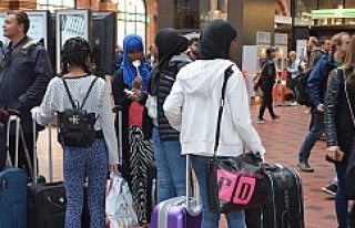 """İsveç Bir Hafta İçinde 5 Bin 200 """"Sığınmacı""""..."""