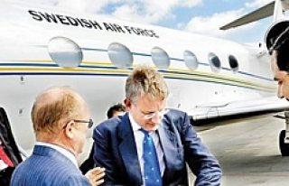İsveç eski Dışişleri Bakanı Carl Bildt'den itiraf:...