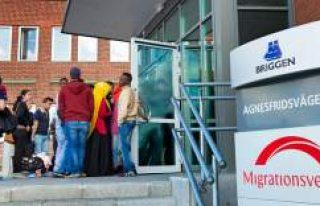 İsveç, FETÖ bağlantılı 168 kişinin iltica talebini...