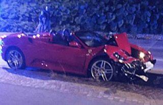 İsveç'in Ferrarili magandası ortalığı birbirine...