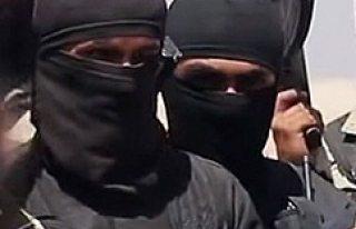 İsveç, IŞİD'e katılmak isteyen 3 vatandaşı...