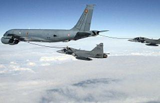 İsveç Savaş Uçaklarından Rusya'ya gözdağı...