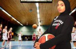 İsveç'te Başörtülü Basketbolcuya İzin...