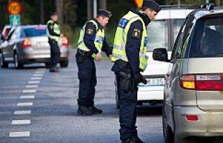 İsveç'te beklemediğiniz anda trafik cezası...