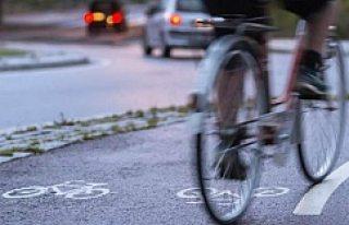 İsveç'te bisiklet sürerken müzik dinlemek...