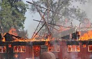 İsveç'te feci yangın uçuşları durdurdu