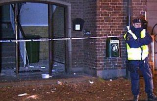İsveç'te Müslümanların gittiği lokale bombalı...