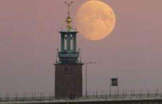 İsveç'te süper ay böyle görüntülendi