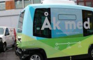 İsveç'te sürücüsüz minibüsler gelecek...