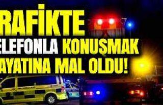 İsveç'te trafikte telefon kullanan sürücü...