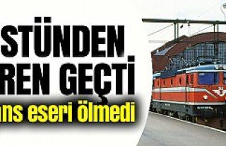 İsveç'te trenin altında kalan kadın canlı...