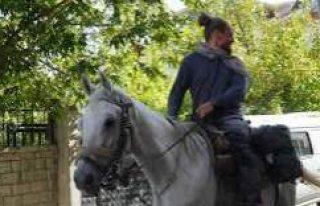 İsveç'ten Atlarla Kudüs'e Yolculuk Yapan...