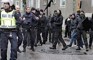 İsveç'te Nazi yanlıları, Nazi karşıtını böyle...