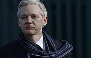 İsveçli savcılardan Assange'ın sorgulanması...