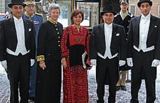 İsveç'te Filsitin Büyükelçisine Kral gibi karşılama...FOTO/VİDEO