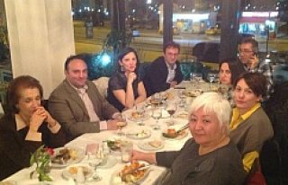 İsveç'te görev yapan bürokratlar yemekte buluştu