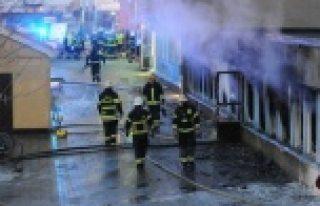 İsveç'te ki cami yangını kameraya böyle yanısıdı...VİDEO